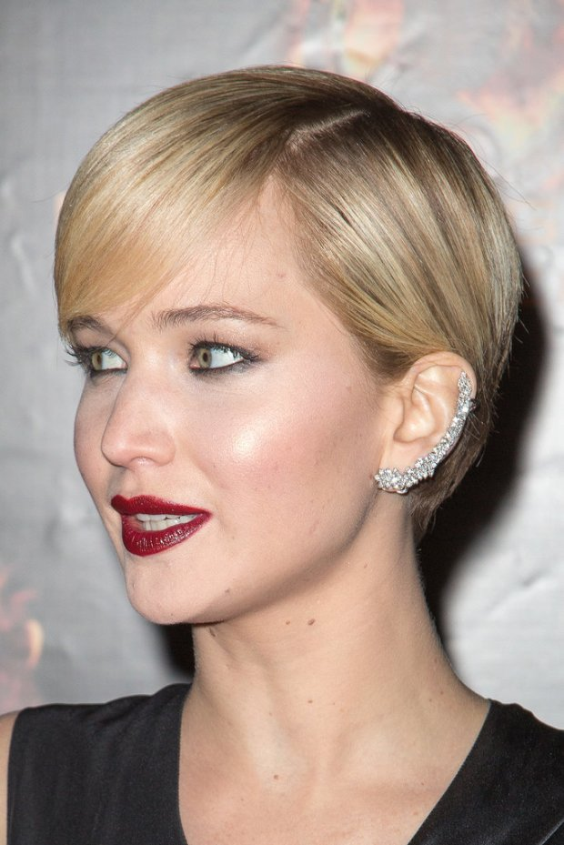 hard-miss-Ana-Khouri-sparkler-Jennifer-Lawrence-selected-Catching-Fire-premiere-Paris